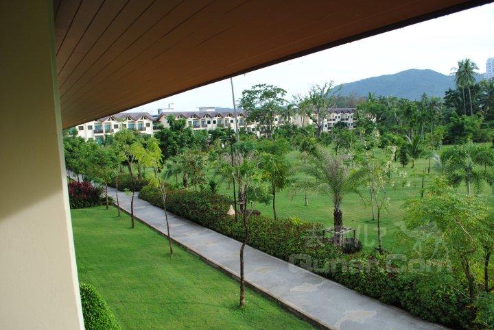 目的地 泰国 普吉岛   座落于芭东海滩上的热带花园中,步行10-15分钟