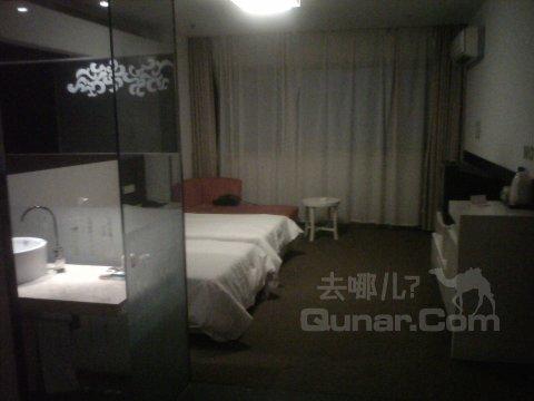 莫泰连锁酒店武汉中山公园地铁站武广店点评