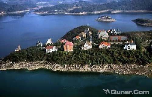 地址(位置,怎么去,怎么走):  红枫湖兴隆半岛  标签: 宾馆度假村