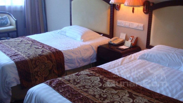 酒店   地址(位置,怎么去,怎么走):  东山岛马銮湾  标签: 金沙大酒店