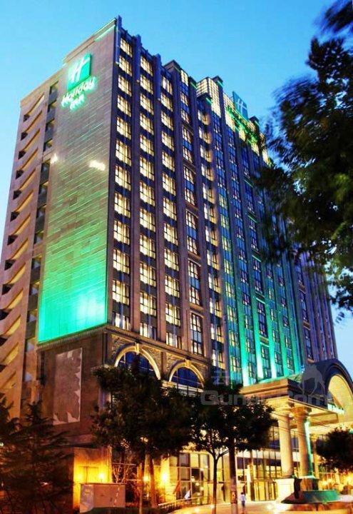 红杉假日酒店