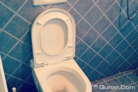 干净的马桶(浴室)