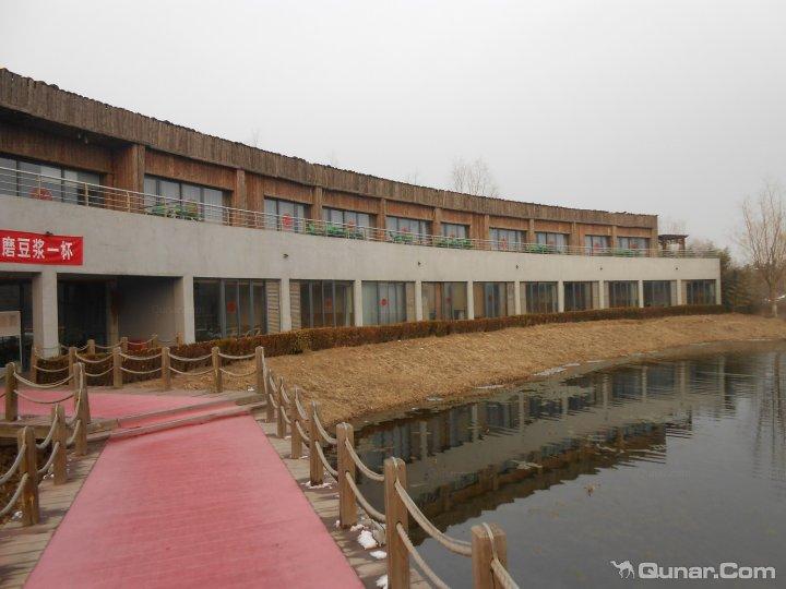 度假村主楼联排别墅欧式客房入口(外观)