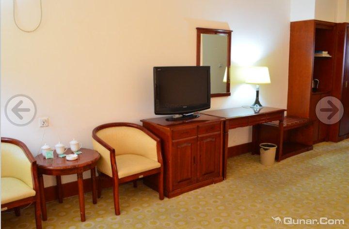凤城大梨树庄稼院酒店
