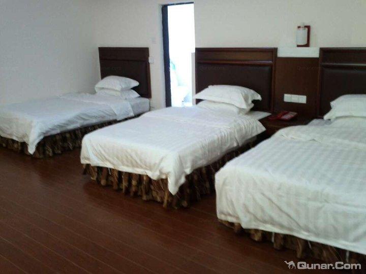 >> 酒店   地址(位置,怎么去,怎么走):  阳江市海陵岛闸坡镇红坡别墅