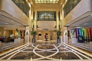 上海世纪皇冠假日酒店