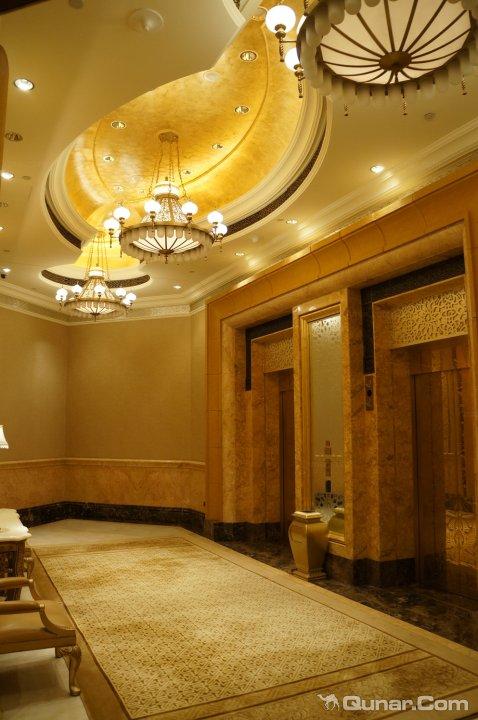 欧式招牌温泉酒店设计图