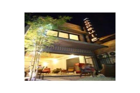普吉岛胶囊旅馆(phuket capsule hotel)