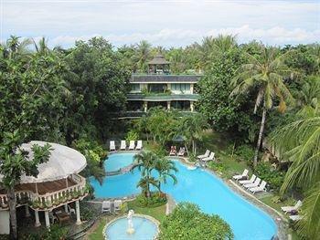 长滩岛高尔夫酒店的泳池别墅