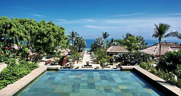 收起 巴厘岛热门景点 库塔海滩 海神庙 乌鲁瓦图悬崖 金巴兰海滩 乌布