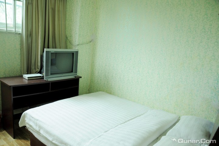 仅88元,网络售价118元贵阳银源商务旅店豪华单人间1晚住宿