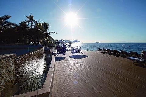 马塔马诺阿岛度假酒店(matamanoa island resort)
