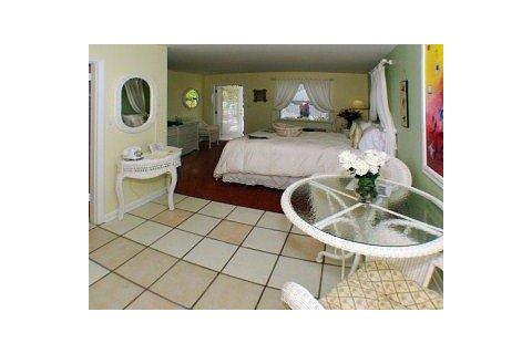 马科岛湖滨酒店(marco island lakeside inn)