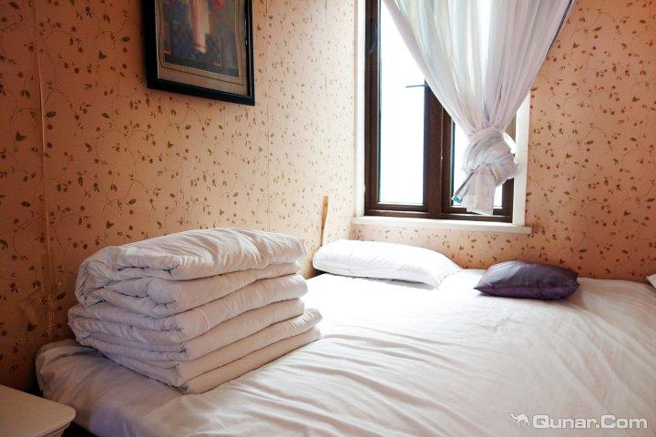 浦东新区 >> 酒店   标签: 宾馆 上海365派欧式豪华轰趴别墅共多少人