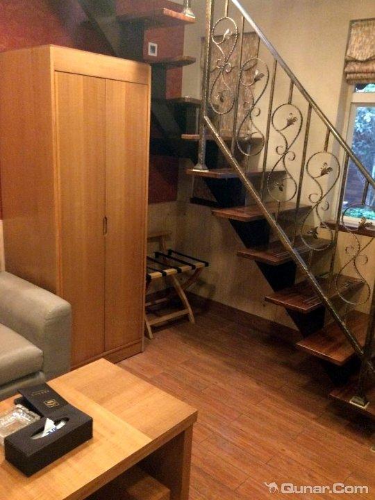 家居 楼梯 起居室 设计 装修 540_720 竖版 竖屏