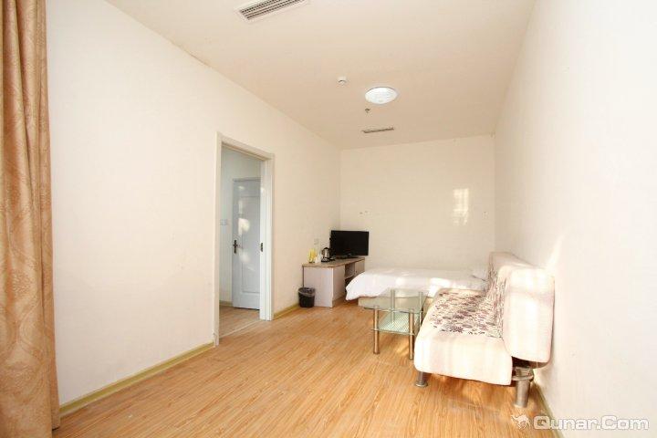 人均: ¥128 地址: 青岛市市南区南海路21号(第一海水浴场钟表楼