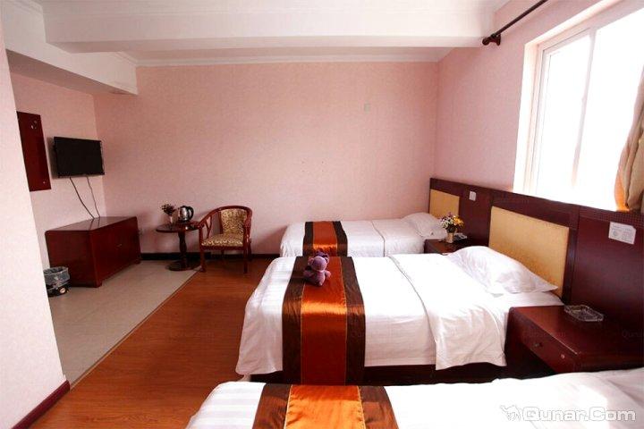 >> 酒店   地址(位置,怎么去,怎么走):  秦皇岛市北戴河区刘庄北里(近