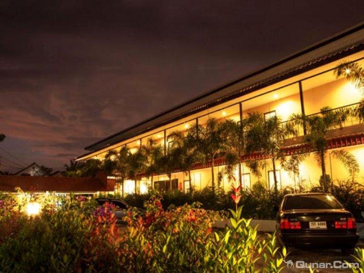 普吉岛机场旅店