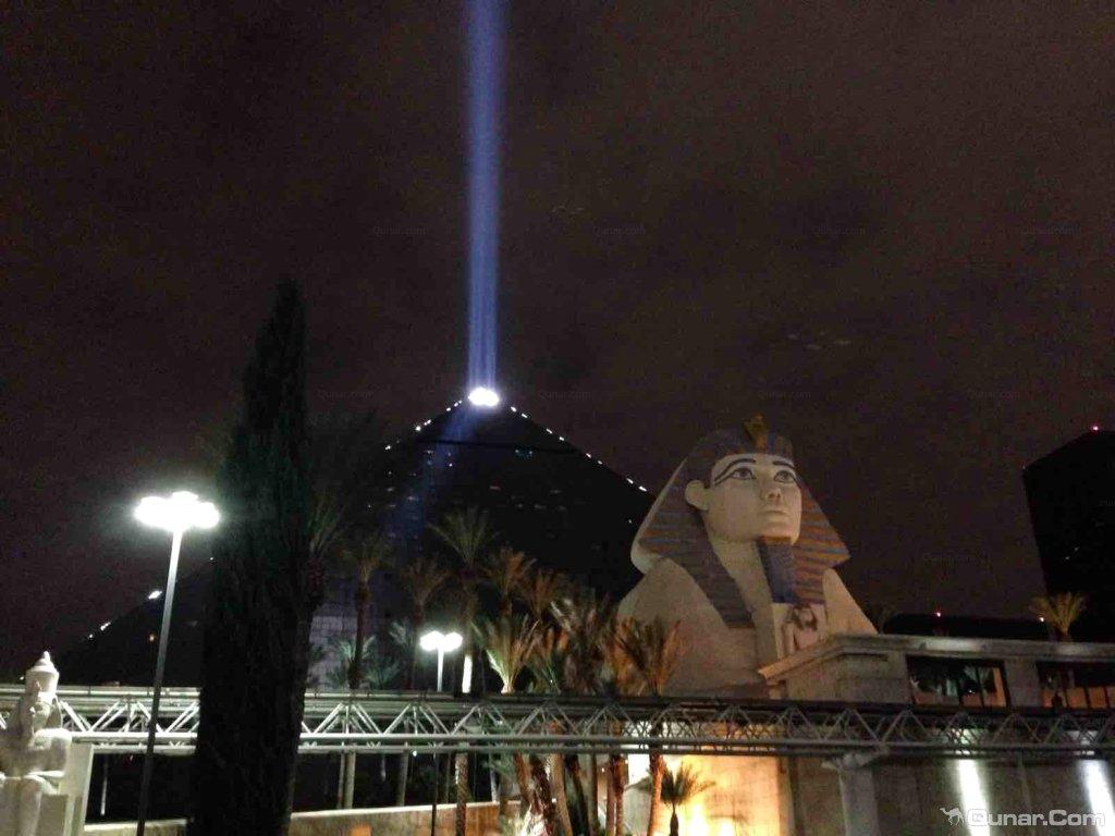 壁纸 埃菲尔铁塔 夜景1024x768