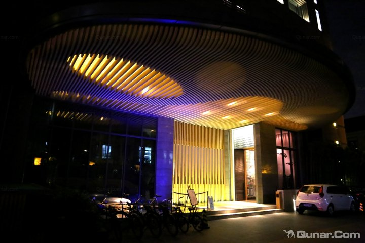 宾馆夜景灯控制电路