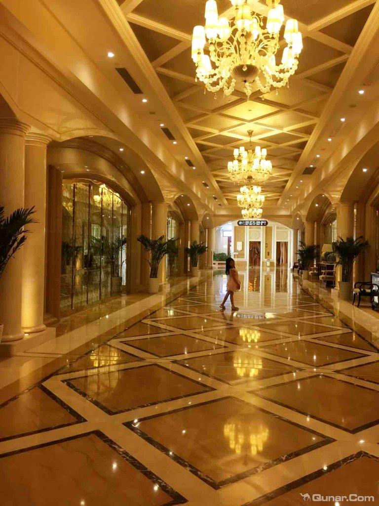 是一家欧式风格的豪华会议度假