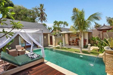 巴厘岛兰碧尼豪华别墅水疗酒店(lumbini luxury villas and spa bali)