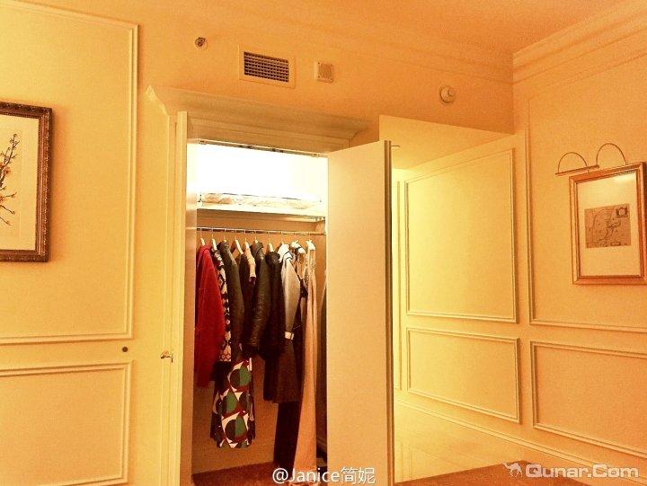 前后双层衣柜内部