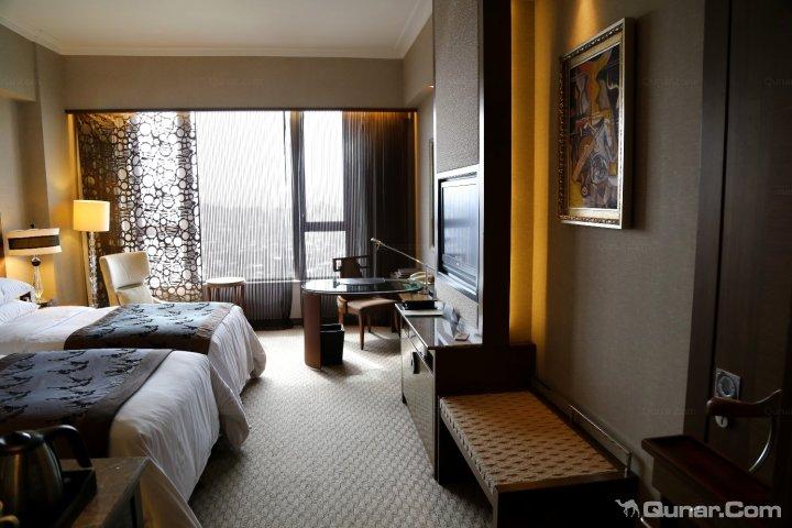 一层半欧式酒店效果图